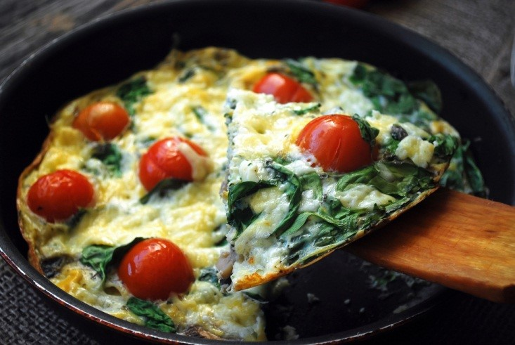 Spinach Frittata with Cherry Tomato and Cheddar